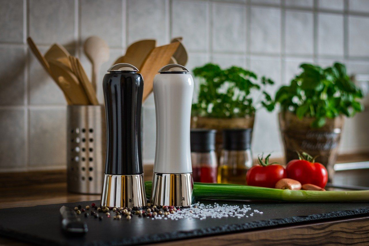 Top 5 Salt and Pepper Mills & Buyer's Guide