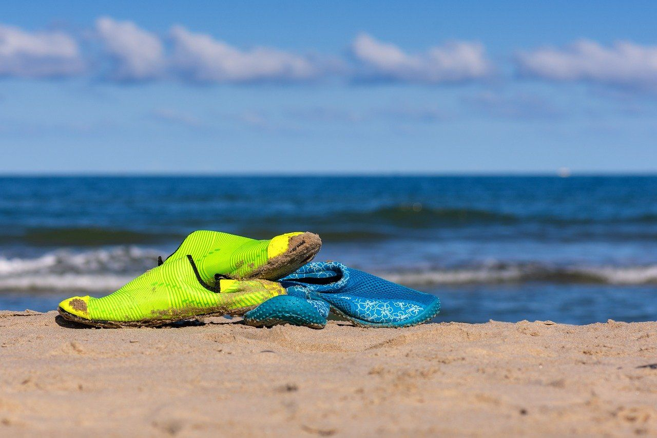 5 Best Water Shoes for beach and pool